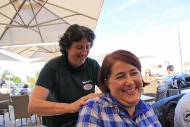 035- Cath et Combisa, un bon massage
