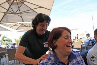 036- Cath et Combisa, un bon massage